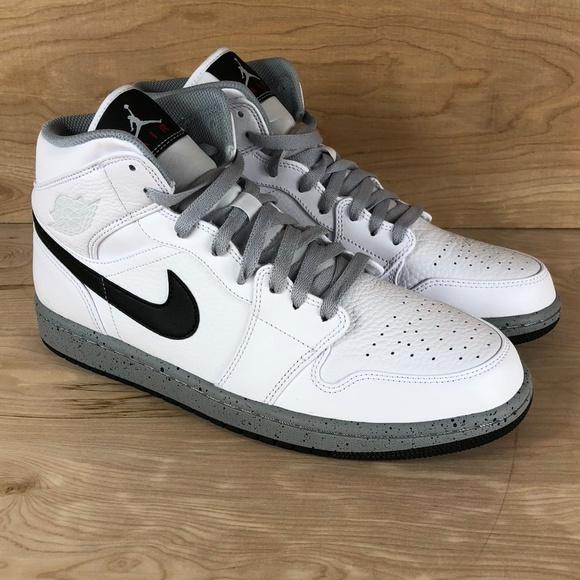 4641728ad27c2b Air Jordan 1 Mid White Black Wolf Grey Basketball